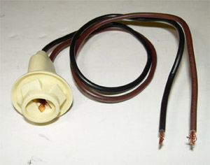 1968 Sidemarker lamp socket and pigtail