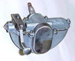 1946 Vacuum wiper motor, left